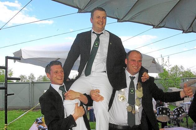 Schonebeck-feierte-Schuetzenfest-Daniel-Brocks-regiert1_image_630_420f_wn